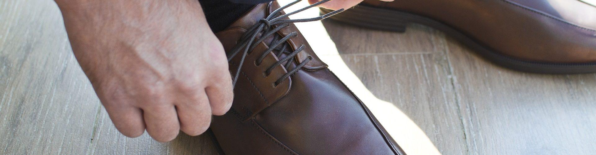 Die Schuhgrößentabelle Herren zeigt die internationalen Herrenschuhgrößen, wie die US Herrenschuhgrößen, die UK Herrenschuhgrößen und die D und EU Herrenschuhgrößen
